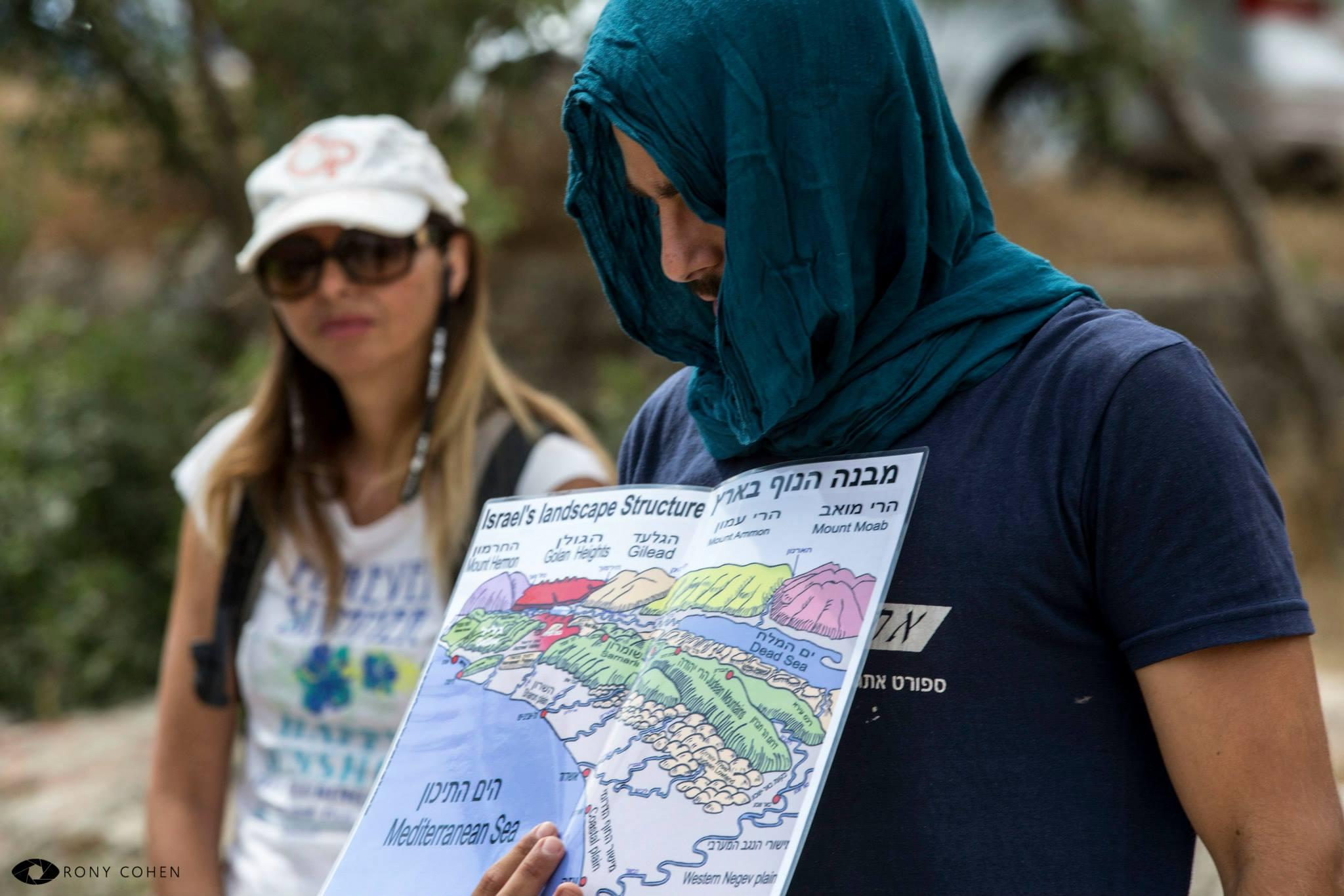 הדרכת טיול עם עמותת אתגרים