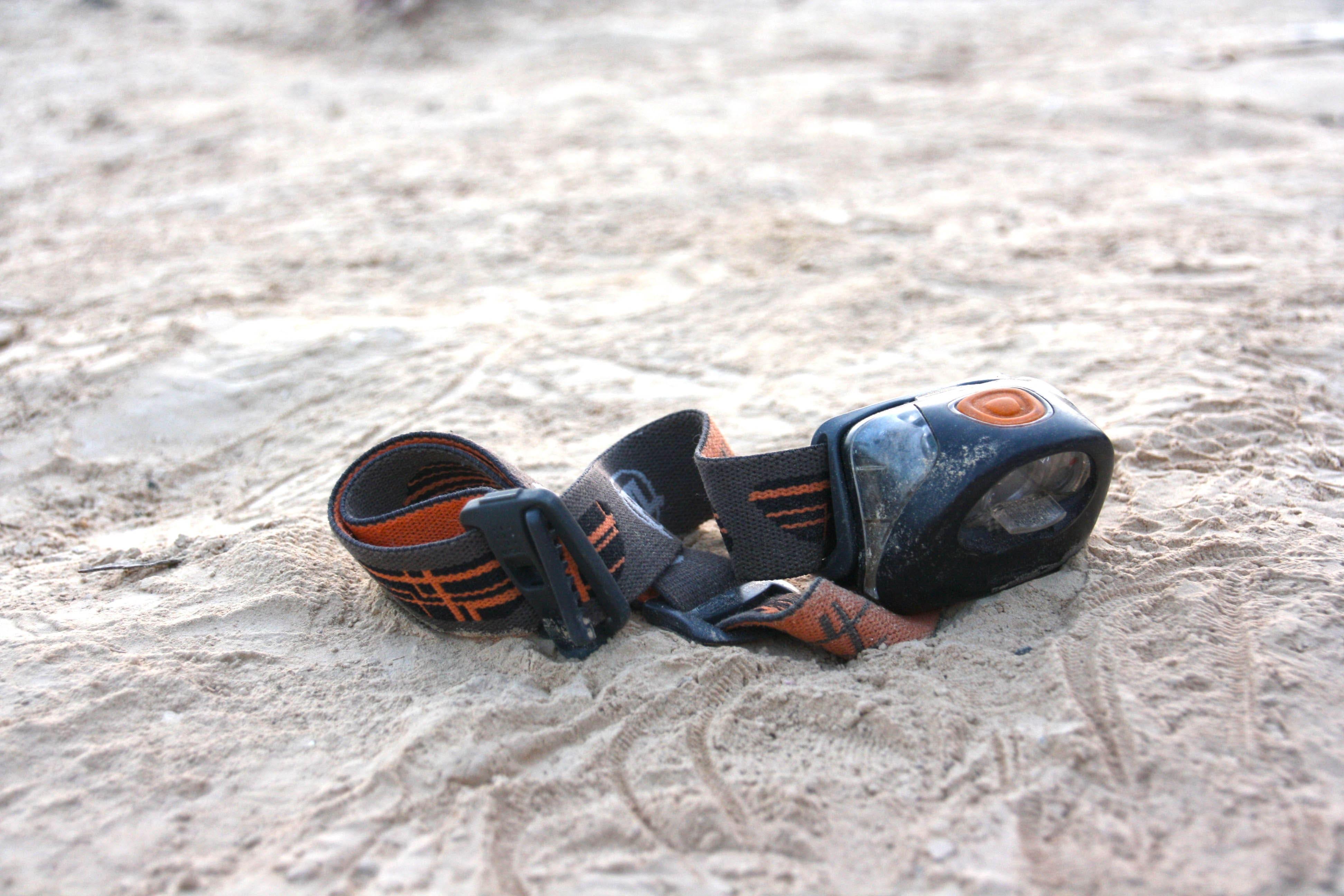 פנס ראש על החול